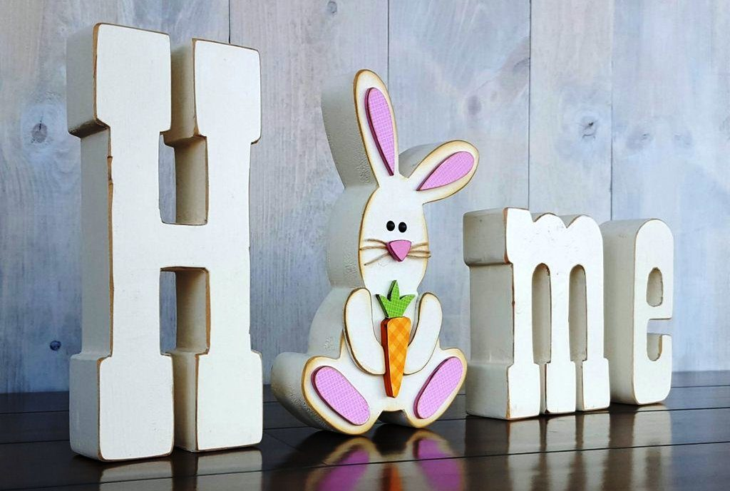 04 April Easter Bunny home